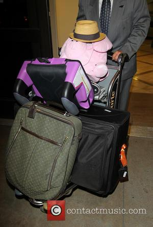 Halle Berry, Luggage and Olivier Martinez