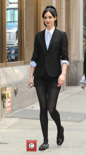 Krysten Ritter - Krysten Ritter filming on location in Manhattan on the set of comedy TV movie, 'Assistance' - New...