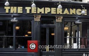 Sophie Anderton - Sophie Anderton seen spending the afternoon having a few drinks at The Temperance pub in London -...