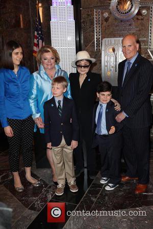 Yoko Ono, Suzanne Wright and Bob Wright