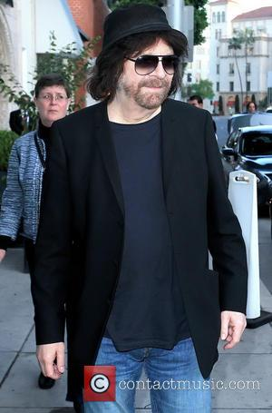 Jeff Lynne - British rocker Jeff Lynne of ELO seen walking on Camden Drive in Beverly Hills - Beverly Hills,...