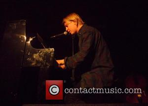 Tom Odell - Tom Odell performs live