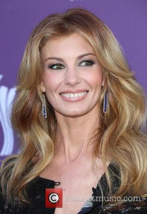 I Hate Myself For Loving You: Faith Hill Leaves Sunday Night Football