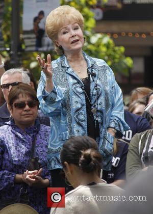Debbie Reynolds - Celebrities at The Grove to appear on entertainment news show 'Extra' - Los Angeles, California, United States...