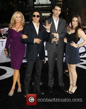 Shannon Tweed, Gene Simmons, Nick Simmons and Sophie Simmons - Celebrities attend Los Angeles premiere of 'Oblivion' at The Dolby...