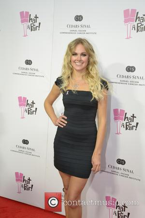 Laura Bell Bundy Replaces Selma Blair on Anger Management. Who Is She?