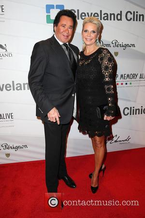 Wayne Newton and Kathleen McCrone - Keep Memory Alive's 17th Annual