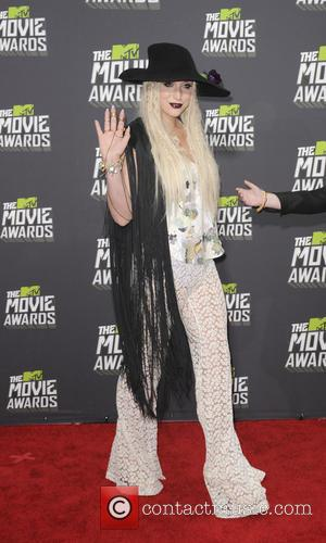 Kesha - 2013 MTV Movie Awards