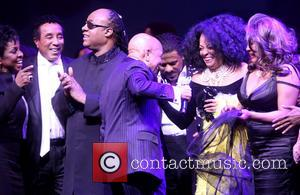 Gladys Knight, Smokey Robinson, Stevie Wonder, Berry Gordy, Ryan Shaw, Diana Ross and Mary Wilson