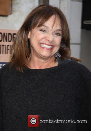 Cancer-stricken Valerie Harper Signs Up For Movie Role