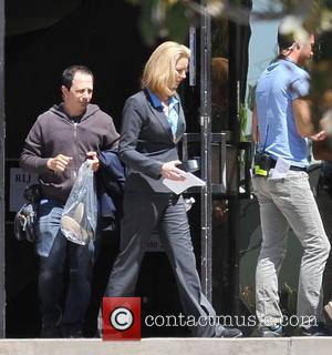 Lisa Kudrow - Actors on the set of 'Townies' filming in Los Angeles - Los Angeles, CA, United States -...