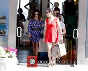Eva Longoria - Eva Longoria shops in Sunset Plaza with friends - Los Angeles, California, United States - Saturday 20th...