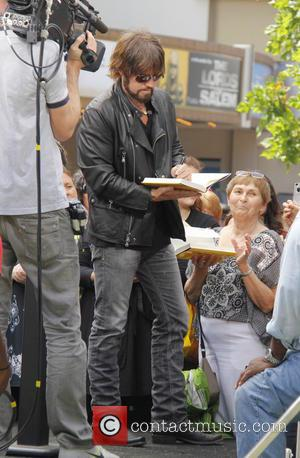 Billy Ray Cyrus - Celebrities at The Grove to appear on entertainment news show 'Extra' - Los Angeles, California, United...