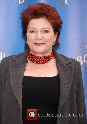 Kate Mulgrew To Pen Memoir