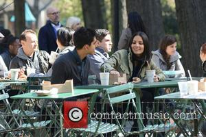 Olivia Munn and Dev Patel - Filming scenes for 'Newsroom' at Madison Square Park in Manhattan - New York, New...