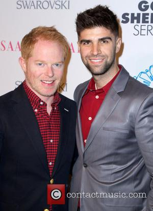 Jesse Tyler Ferguson Marries Justin Mikita In New York Ceremony