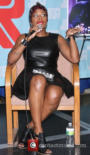 Fantasia Barrino - Fantasia Barrino signs copies of her new album 'Side Effects of You' at J&R Music - New...