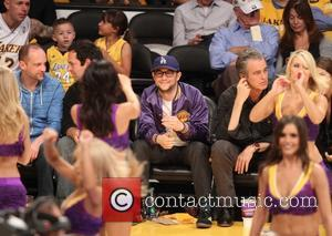 Joseph Gordon-Levitt - Celebrities watch the LA Lakers playoff game at the Staples Center - Los Angeles, California, United States...
