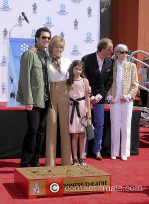 Jim Carey, Jane Fonda, Viva Vadim, Peter Fonda and Shirlee Fonda