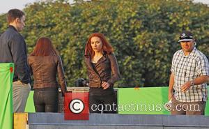 Scarlett Johansson - Scarlett Johansson and Chris Evans filming scenes...