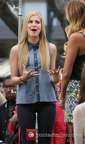 Caroline Sunshine and Renee Bargh - Caroline Sunshine at The Grove to appear on entertainment news show 'Extra' - Los...