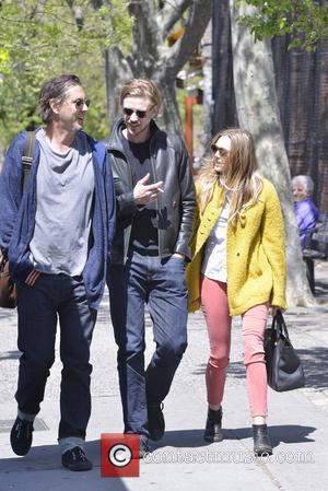 Elizabeth Olsen and Boyd Holbrook - Elizabeth Olsen and Boyd Holbrook out in Soho on a sunny day - New...