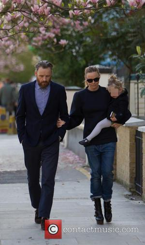 Stella McCartney, Alasdhair Willis and Reiley Willis - Stella McCartney and husband Alasdhair Willis on the school run in London...