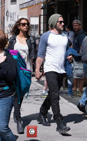 Joel Edgerton and Alexis Blake - Actor Joel Edgerton and girlfriend Alexis Blake seen returning to their Manhattan hotel -...