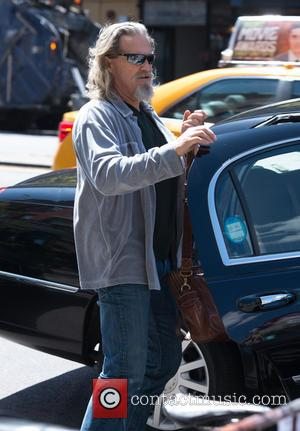 Jeff Bridges - Actor Jeff Bridges returns to his hotel in New York - Manhattan, NY, United States - Thursday...