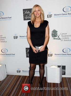Lisa Kudrow - 16th Annual EIF Women''s Cancer Research Fund's 'An Unforgettable Evening' presented by Saks Fifth Avenue at the...
