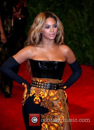 Pregnant? Was Beyonce Really Hiding A Baby Bump At The Met Ball? [Pictures]