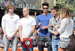 Jay Mcguiness, Max George, Siva Kaneswaran, Tom Parker and Renee Bargh