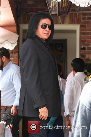 Gene Simmons - Gene Simmons arrives at The Ivy restaurant on Robertson in West Hollywood - Los Angeles, California, United...