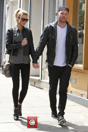 Sarah Harding and Mark Foster - Sarah Harding and her boyfriend Mark Foster walking in Primrose Hill - London ,...