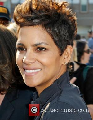 Halle Berry - 20th Annual EIF Revlon Run Walk for...