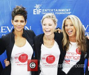 Halle Berry, Julie Bowen and Guest