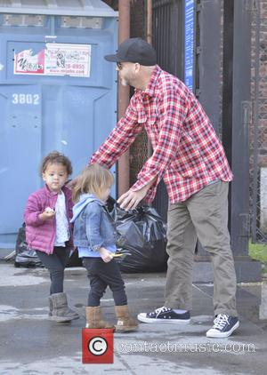 Fred Durst - Fred Durst out and about with a friend and some children on Mother's Day - New York...
