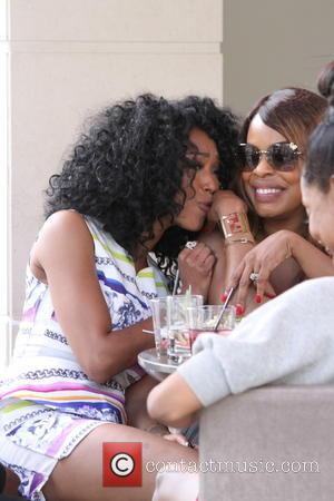 Brandy Norwood and Niecy Nash - Brandy Norwood out with friends for cocktails in Beverly Hills - Los Angeles, California,...