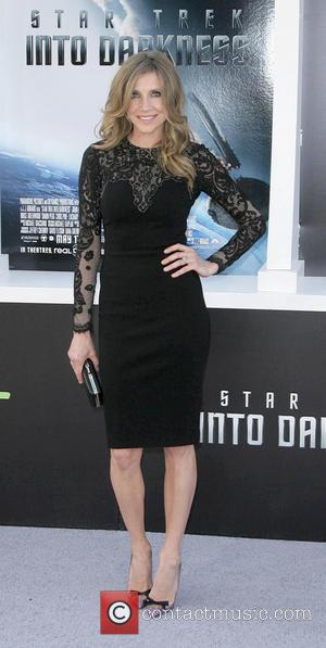 Sarah Chalke - Los Angeles Premiere of Paramount Pictures'