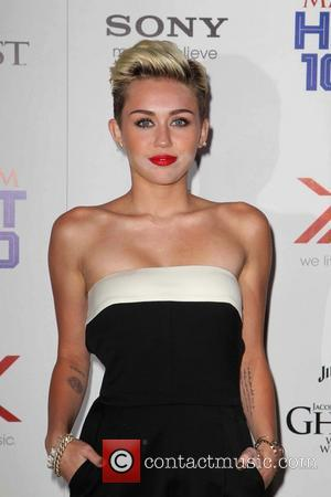Miley Cyrus, Maxim Hot 100 Party