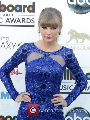 Star Frenzy At The 2013 Billboard Music Awards With Arrivals From The Likes Of Taylor Swift To Jennifer Lopez [Photos]
