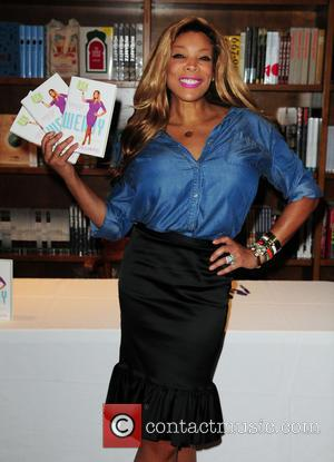 Wendy Williams - Wendy Williams signs copies of her book entitled 'Ask Wendy' at Books and Books - Coral Gables,...