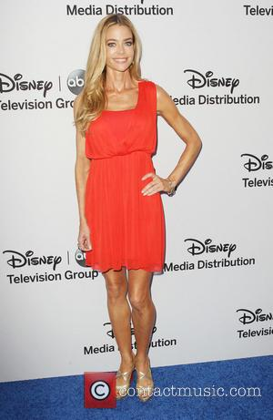Denise Richards - Disney Media Networks International Upfronts held at The Walt Disney Studios - Arrivals - Burbank, California, United...