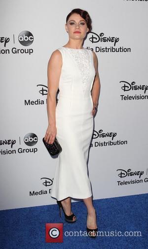 Emilie De Ravin Splits From Husband Again