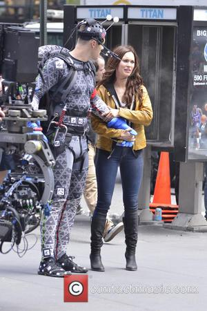 Megan Fox - Megan Fox on the set of 'Teenage Mutant Ninja Turtles' - New York City, NY, United States...