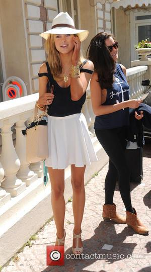 Kimberley Garner - Ex Made in Chelsea star Kimberley Garner spares no expense as she checks into the Carlton Hotel...