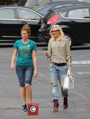 Gwen Stefani - Gwen Stefani collects her children from school - Los Angeles, CA, United States - Tuesday 21st May...