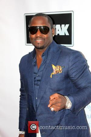 Johnny Gill Sues Hotel Over Attack