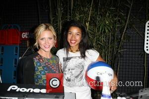 Brittany Snow and Hannah Bronfman