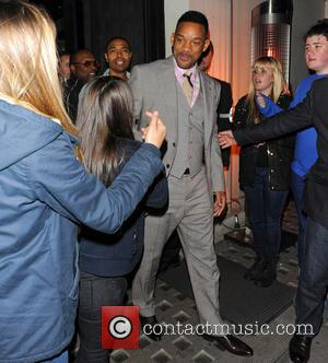Will Smith And Heather Graham Jape On Talk Show Set